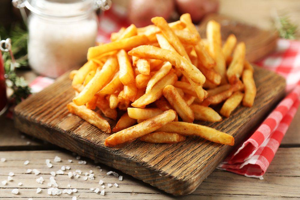 Aliments qui contiennent du gluten: les frites.