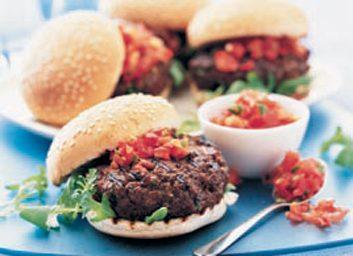 Hamburgers du soleil et leur salsa du démon