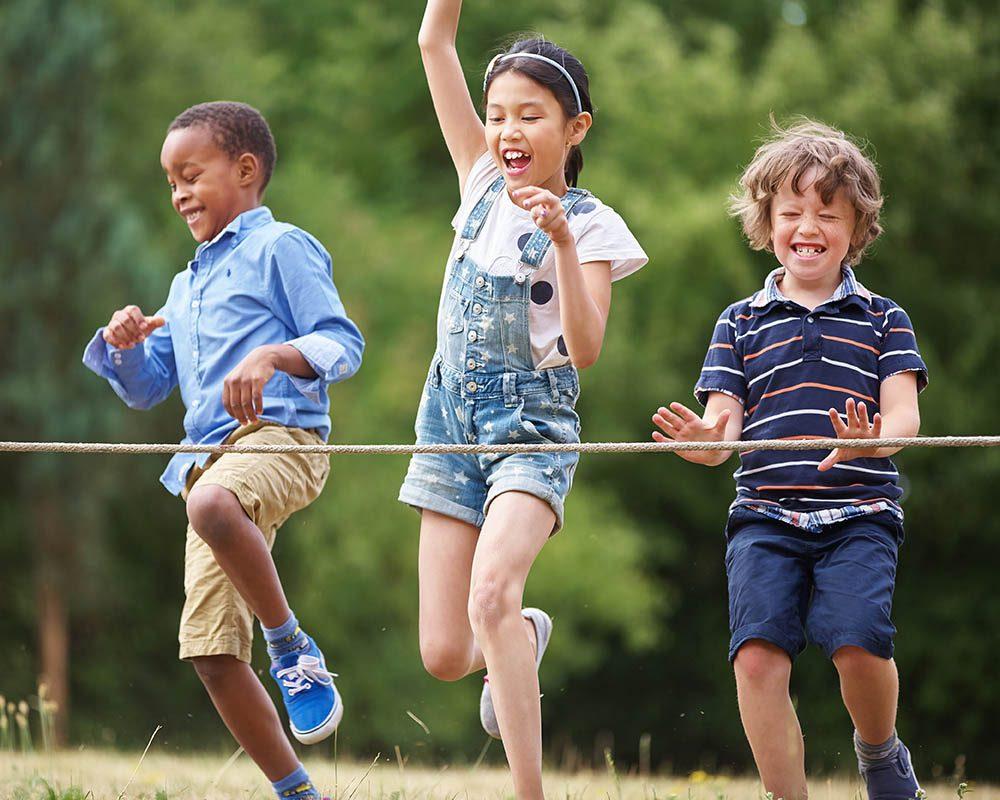 Des problèmes aux hanches peuvent survenir durant l'enfance.