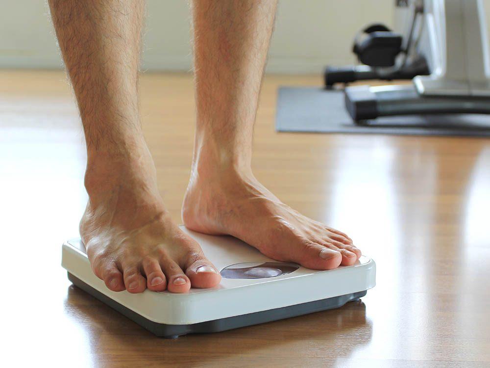 Protégez vos hanches en surveillant votre poids.