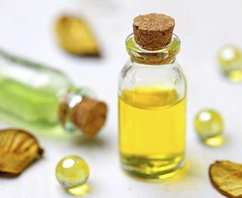 Essayez l'huile de bois de santal