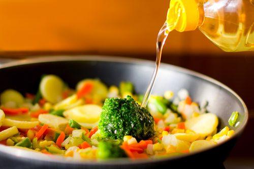 Les huiles de cuisson moins raffinées sont meilleures pour vous