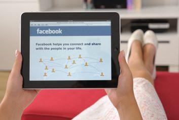 1. Acceptez votre conjoint comme ami sur Facebook.