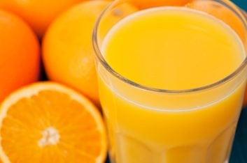4. Excellents aliments pour la bouche : Voici de bonnes sources de vitamine C : agrumes et jus d'agrumes, fraises, kiwis.