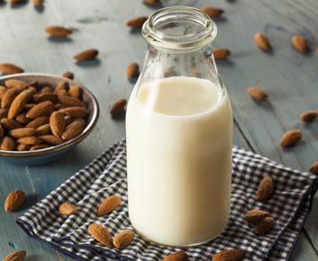 Le lait d'amandes