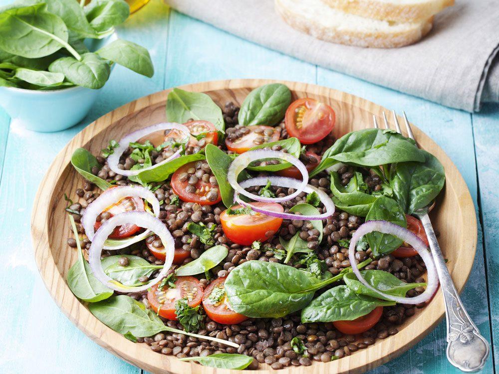 Recette pour diabétiques de salade aux lentilles.