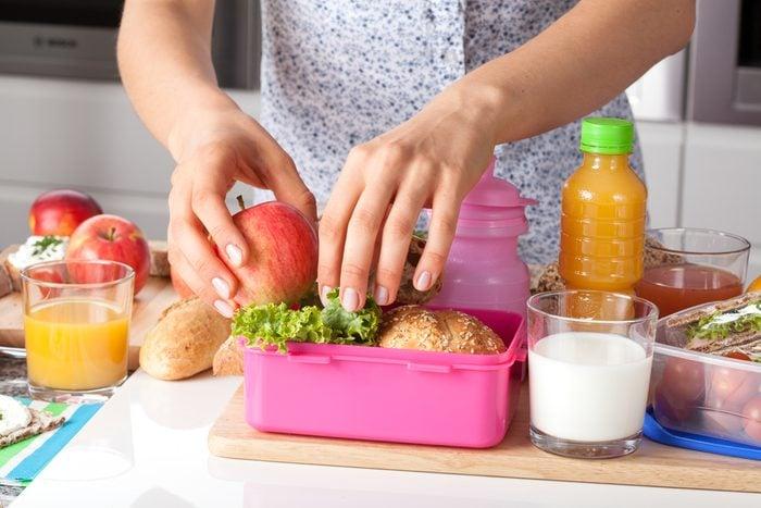 Vous voulez perdre du poids? Ne sautez pas de repas!