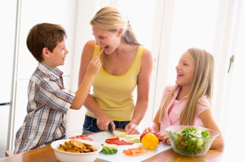 1. Demandez aux enfants de vous aider.