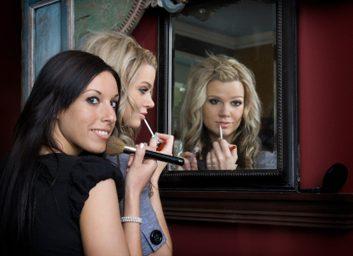 2. N'empruntez pas de maquillage