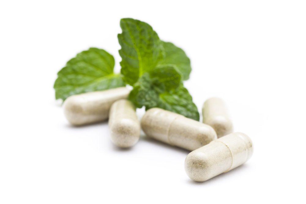 Les risques de mélanger des médicaments avec des plantes