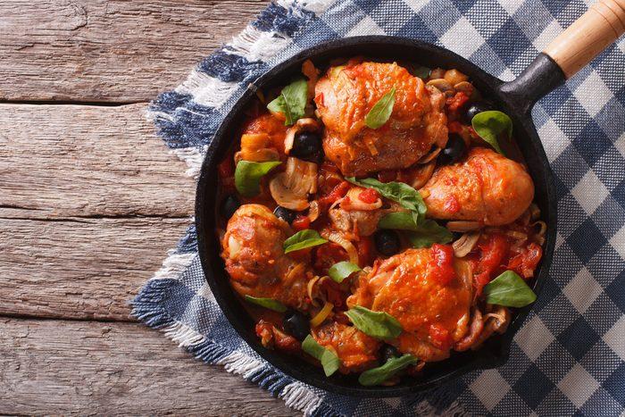 Une recette de poulet aux amandes prête en moins de 30 minutes.