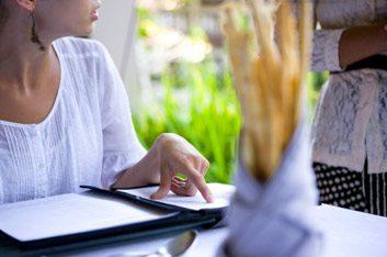 2. Informez-vous sur tous les choix et garnitures du menu