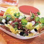 Mesclun aux œufs de caille et au caviar