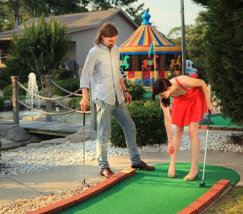 1. Jouez au mini-golf.