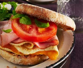 2. Muffin anglais au jambon et fromage