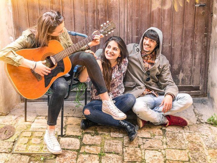 La musique pourrait aider les adolescents à faire face au cancer.