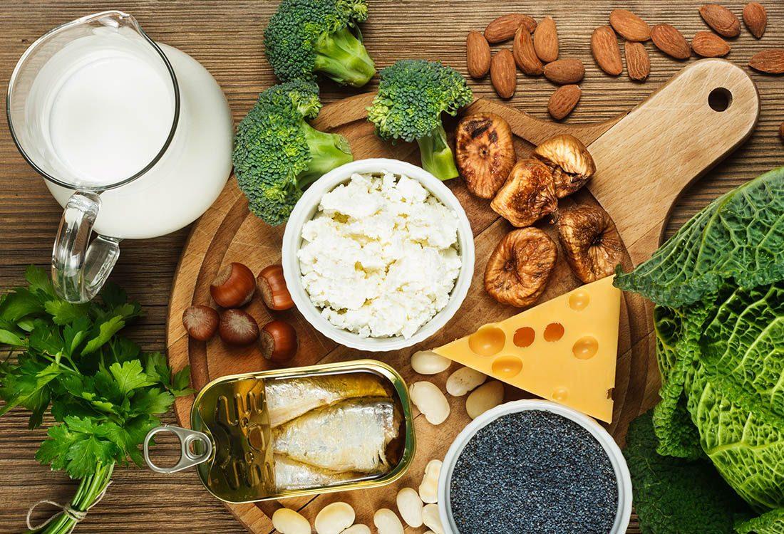 Pour prévenir l'ostéoporose, surveillez votre apport en calcium.