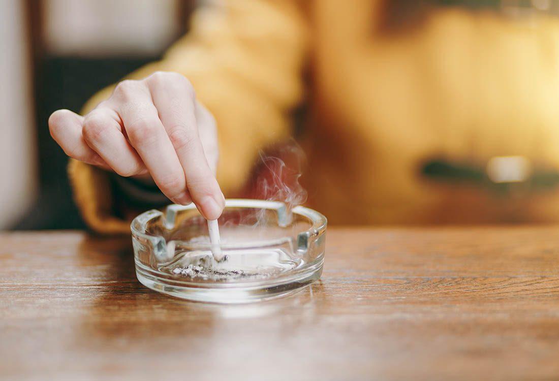 Ostéoporose : La fumée de la cigarette réduit la densité osseuse.