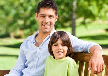 L'hormone ocytocine pourrait améliorer les contacts sociaux des personnes autistes.
