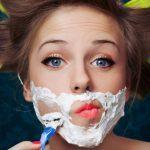 Pourquoi certaines femmes se rasent le visage