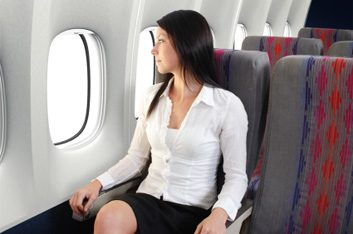 9. Vous devez prendre un avion très tôt le matin