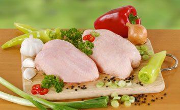 Réponse: c) De préférence, utilisez une planche à découper distincte pour chaque type d'aliment.