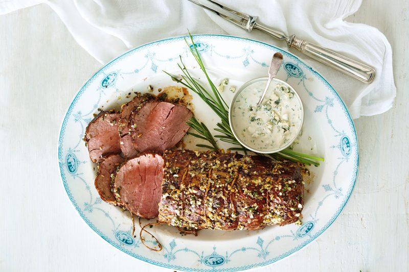 Recette facile: Filet de bœuf rôti à la sauce raifort et fromage bleu
