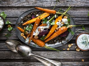 Recette santé de lentilles avec betteraves et carottes rôties