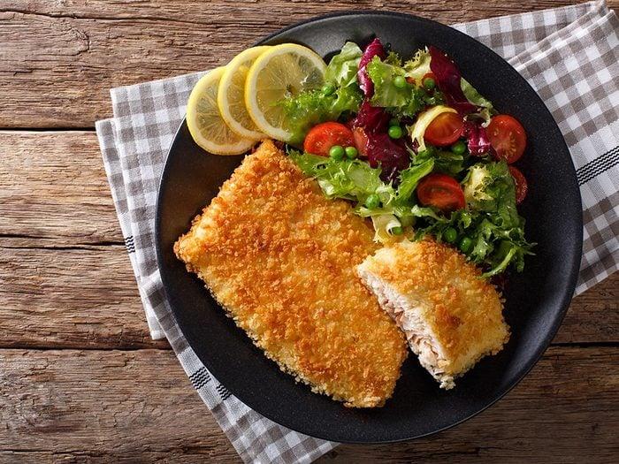 Recette faible en calories: le poisson à la mode de Louisiane.