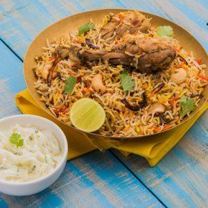 La meilleure recette de poulet biryani aux pommes et raisins secs