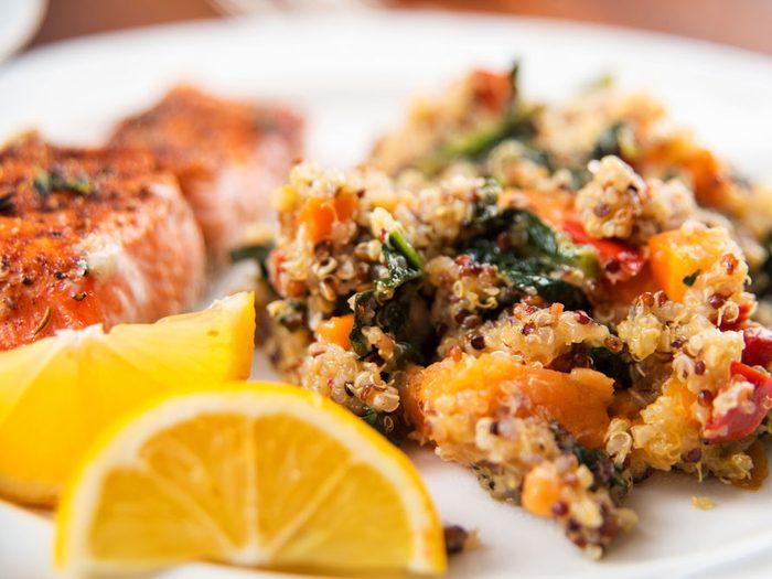 Une recette de saumon à la courge avec quinoa pour les diabétiques