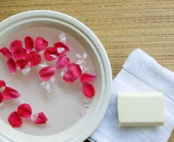 Lave-toi à l'eau de rose