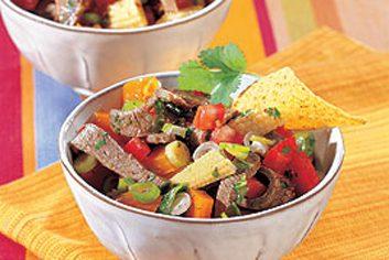 Salade de bœuf mexicaine aux piments chilis