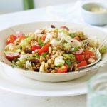 Salade de farro aux légumes printaniers