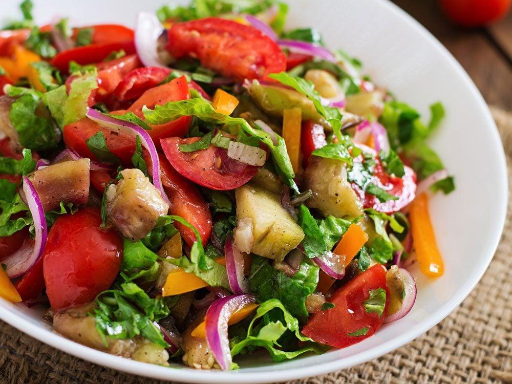 Salade savoureuse pour diabétiques.