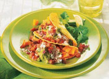 Tacos avec salsa maison et guacamole
