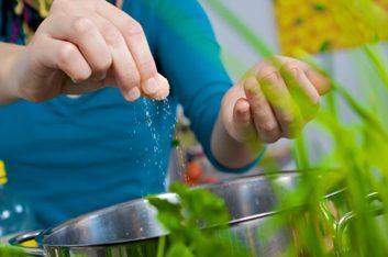 2. Le sel fait augmenter la rétention d'eau par les reins