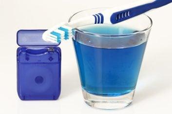Est-il souhaitable de stériliser les brosses à dents?