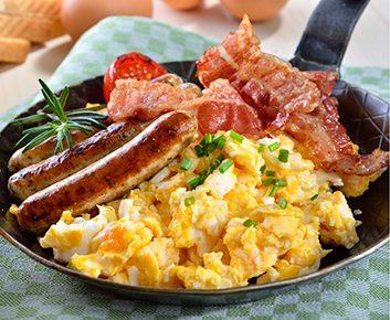 Saucisses et bacon