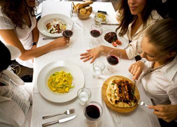 Asseyez-vous pour manger et faites du repas une réunion familiale