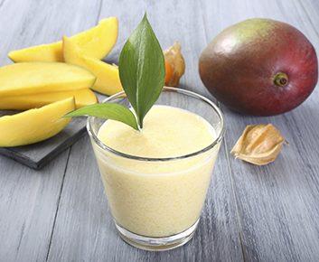Smoothie au thé vert et à la mangue