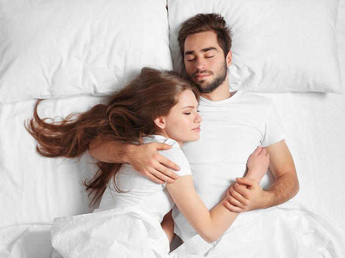 Le sommeil réparateur est une affaire de couple.