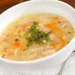 Recette santé: soupe de poulet à l'aneth et aux panais