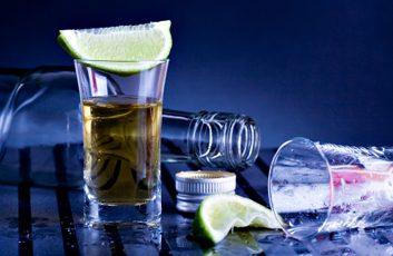 3. Combien de fois vous arrive-t-il de prendre plus de 6 verres en une seule occasion?