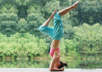 Yoga sur un quai