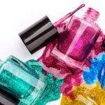 Le vernis à ongles rend-il la tâche plus difficile aux urgentologues?