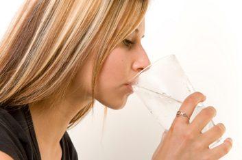Buvez de l'eau, beaucoup d'eau