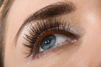 3. Ne maquillez pas vos yeux si...