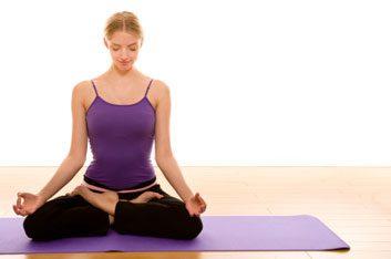 1. Le yoga augmente le sentiment de bien-être