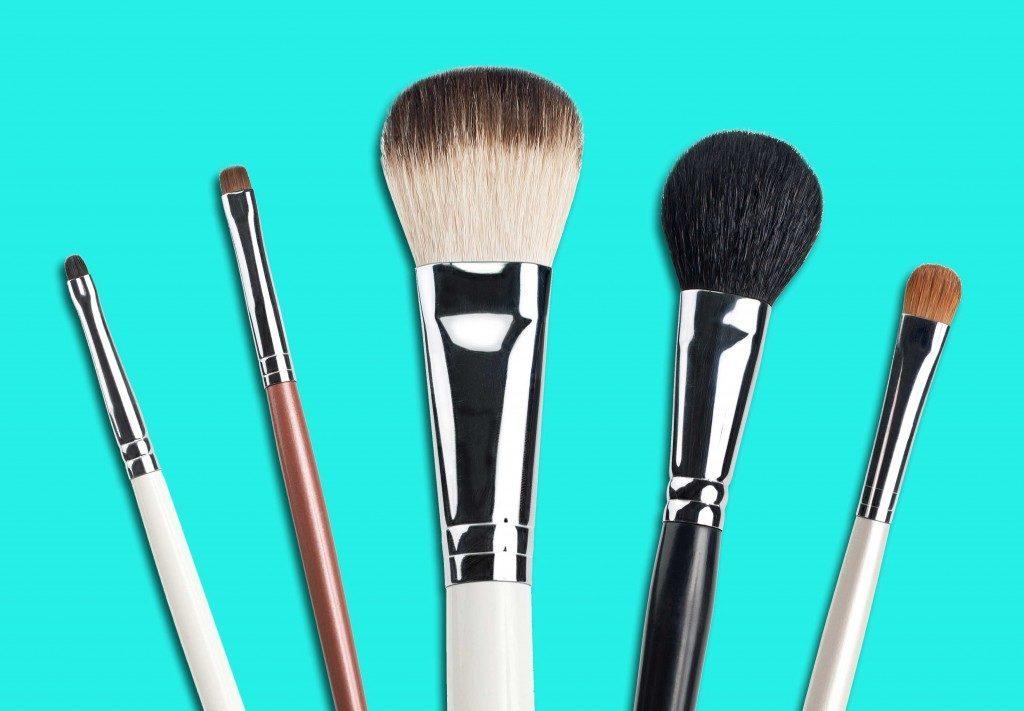 Nettoyage-maison-brosses à maquillage